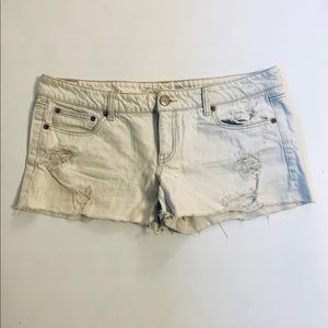 American Eagle 🦅 distressed jean short shorts